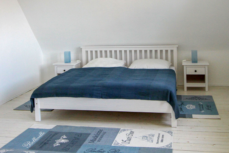 Bed-n-Bow-gro·es-Schlafzimmer